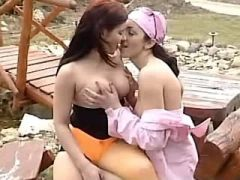Cute lezzie licks wet pussy of girlfriend outdoor